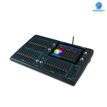 ChamSys Quickq 20  คอนโซลควบคุมแสง two universe console incorporating 2*DMX512 Output